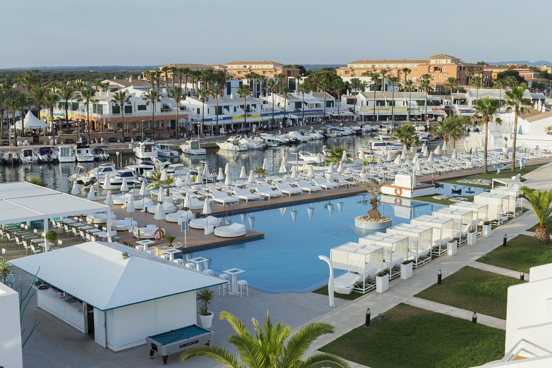 Beach club hotel casas del lago - Hotel casas del lago menorca ...